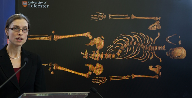 Лестер, Англия, 4 февраля. Археологи обнаружили скелет короля Ричарда III во время раскопок под автостоянкой. Фото: ANDREW COWIE/AFP/Getty Images