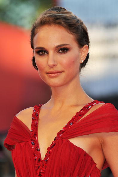 На 67-ом Венецианском кинофестивале. Американская актриса Натали Портман (Natalie Portman). Фоторепортаж. Фото: Gareth Cattermole/Andreas Rentz/ Pascal Le Segretain/Getty Images