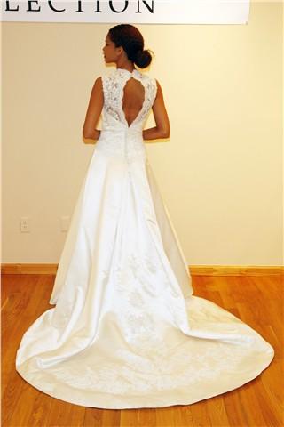 Красивые детали платьев на Неделе свадебной моды сезона осень-зима 2010. Фото c efu.com.cn