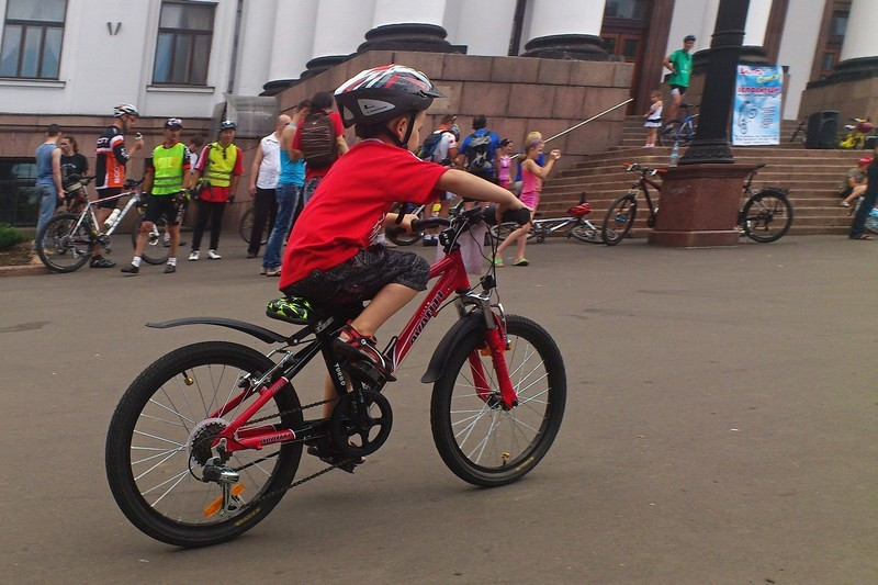 В Краматорске состоялись детские гонки на велосипедах. Фото: Великая Эпоха