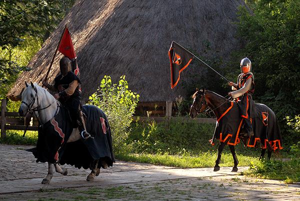 Рыцари на международном рыцарском турнире «Сабля Казака Мамая» в Киеве 9 июля 2010 года. Фото: Владимир Бородин/The Epoch Times