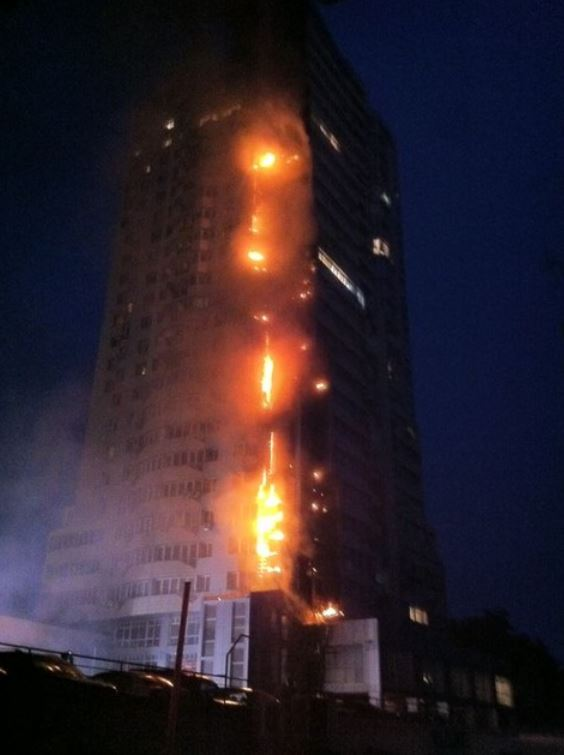 Пожар в 25-этажном жилом доме в Киеве. Фото: Инна Чумак/Сегодня