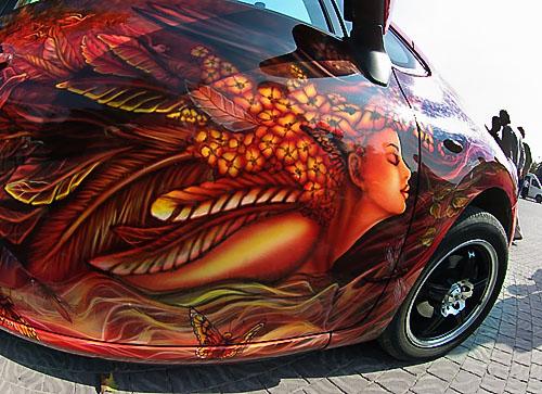 На фестивале аэрографии в Севастополе разрисовывали авто, мобилки и мышки. Фото: sevastopol.net.ua