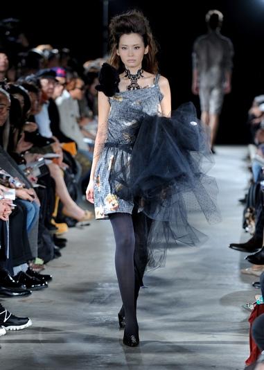 Коллекции от Kamishima Chinami и Guts Dynamite на Неделе моды в Токио, Япония. Фото Yoshikazu TSUNO / AFP / Getty Images