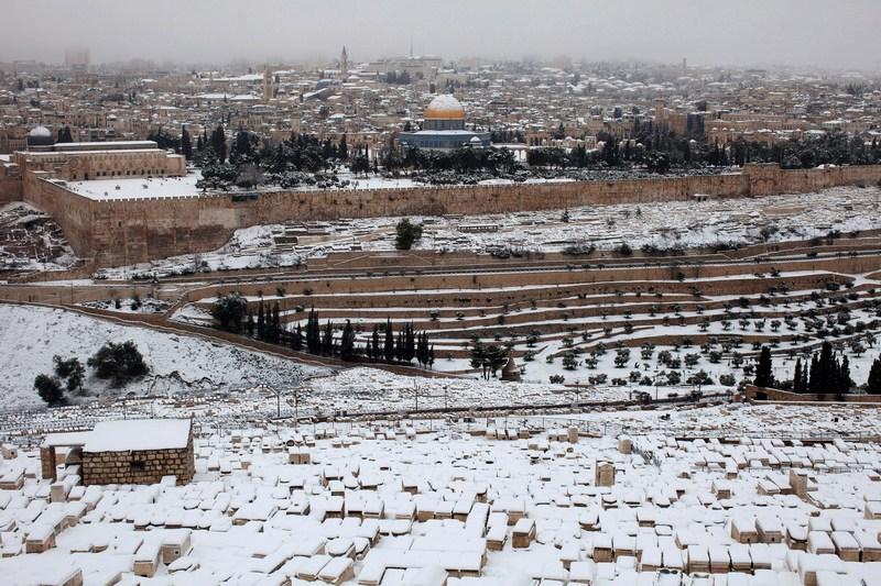 Иерусалим, Израиль, 10 января. Снегопады накрыли белым саваном старый город. Фото: Uriel Sinai/Getty Images
