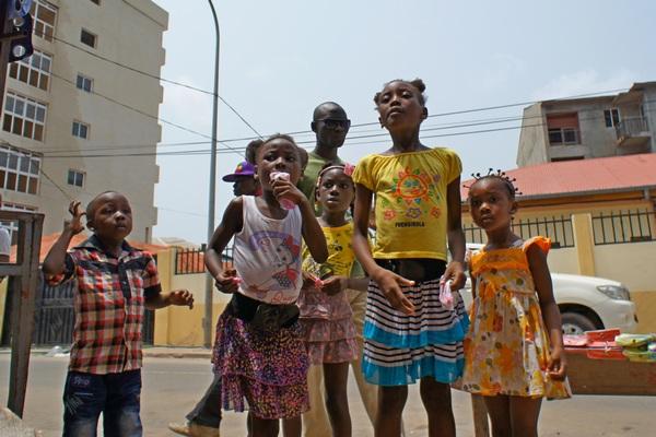 Дети очень любопытны. Фото: Александр Африканец