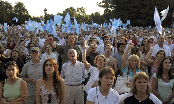 Фермеры требуют изменений в аграрной политике. Буэнос-Айрес, столица Аргентины. Фото: JUAN MABROMATA/AFP/Getty Images
