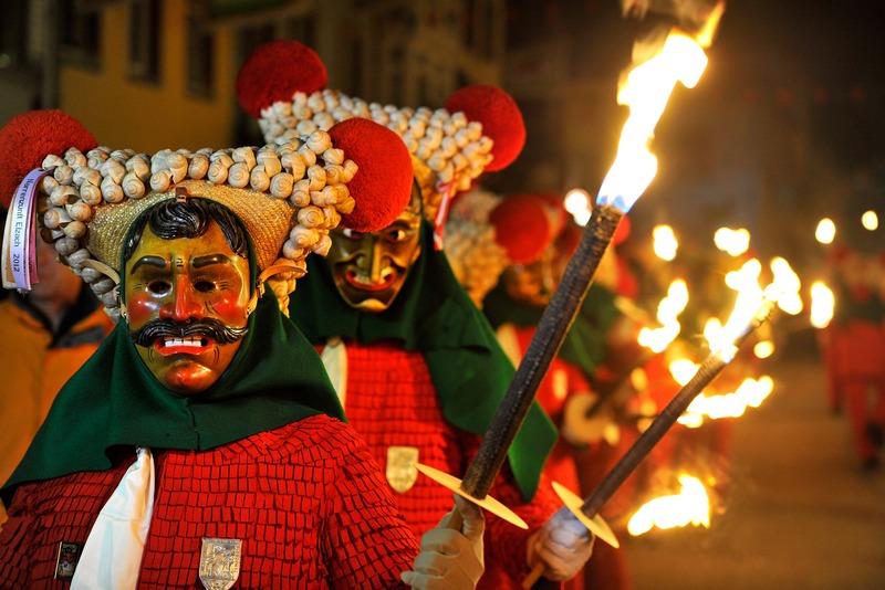 Эльзас, Германия, 12 января. В юго-западном регионе страны открылся сезон карнавалов. Фото: Harold Cunningham/Getty Images