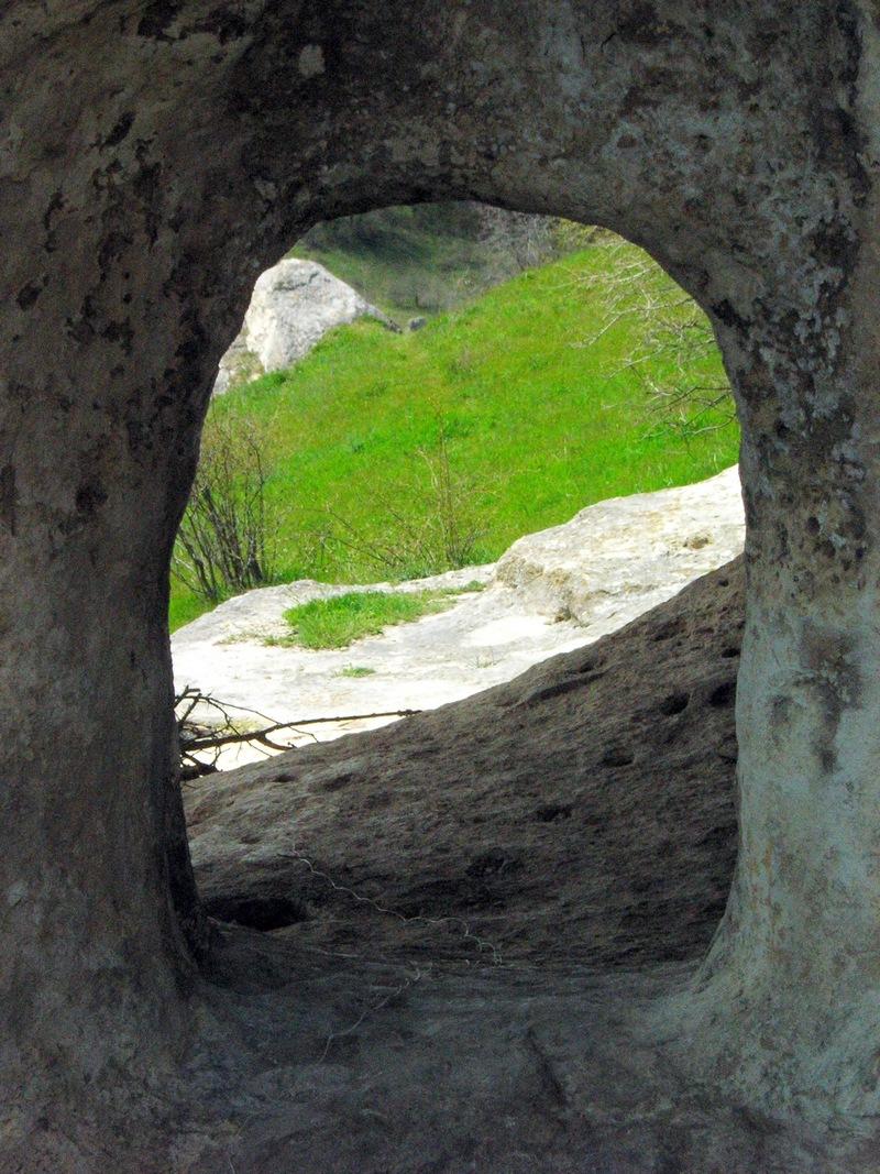 Дырявый грот. Фото: Алла Лавриненко/Великая Эпоха