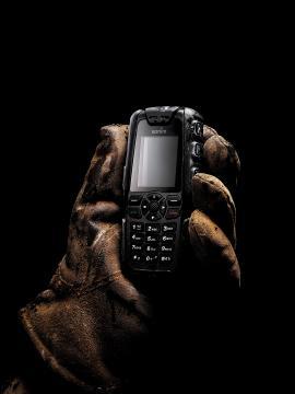 Sonim представила новую модель телефона для применения в экстремальных условиях Sonim XP3.2 Quest Pro. Не боится падений с крыши, попадания в воду, замерзания. (Sonim)