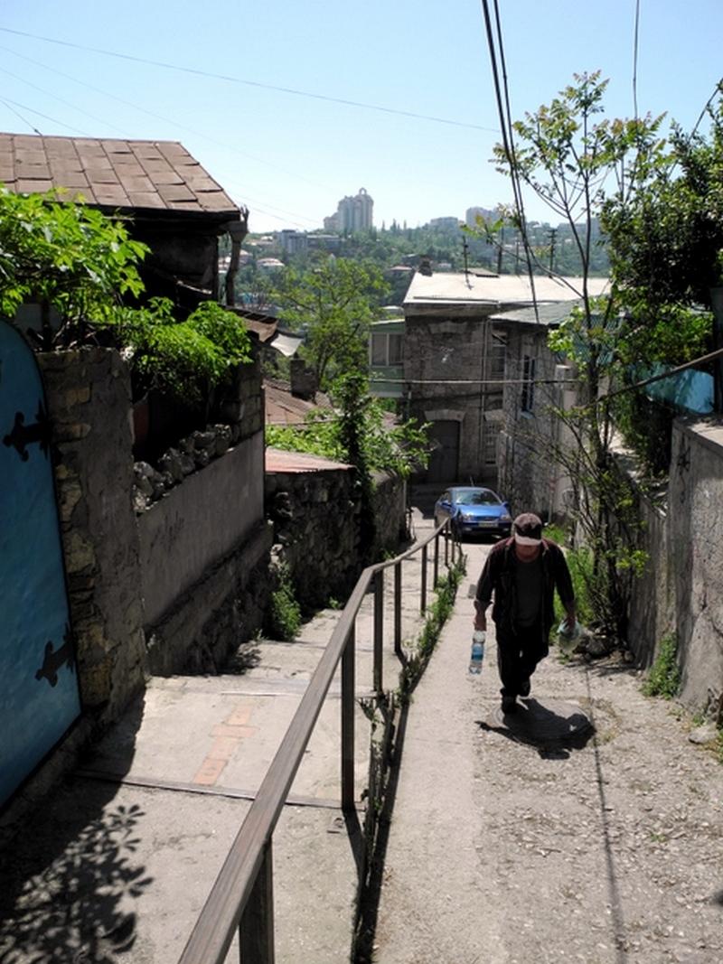 Путешествие по старым улочкам майской Ялты. Фото: Алла Лавриненко/Великая Эпоха