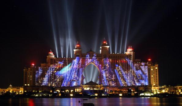 Официальное торжественное открытие Palm Jumeirah в Дубаи 20 ноября 2008 года. Фото: KARIM SAHIB/AFP/Getty Images