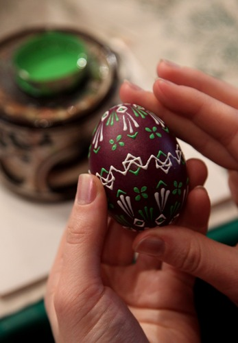 Пасха. Традиции украшения яиц. Фото: Sean Gallup/Getty Images