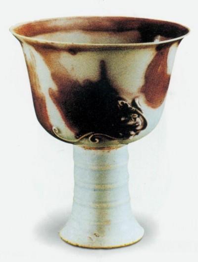 Чаша. Высота 12 см. Династия Юань. Фото с aboluowang.com
