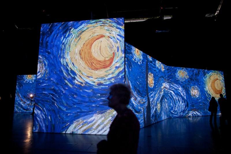 Тель-Авив, Израиль, 7 февраля. В столице открылась мультимедийная выставка «Ван Гог жив». Фото: Uriel Sinai/Getty Images