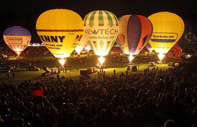 Бристоль, Англия, 9 августа. В городе открылся 34-й международный фестиваль воздухоплавания. Фото: Matt Cardy/Getty Images