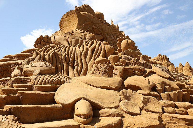 Песчаная скульптура «Создатели рифов». Авторы Кевин Кроуфорд (Kevin Crawford) и Джим Макколи (Jim McCauley). Франкстон, Австралия. Фото: Graham Denholm/Getty Images