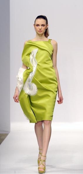 Показ коллекции Georges Chakra на Неделе моды 2011 в Париже. Фото BERTRAND GUAY/AFP/Getty Images