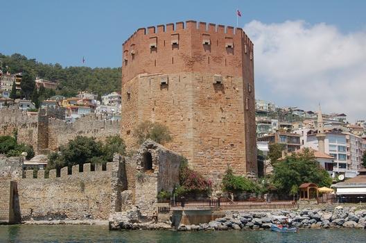 Анталья (тур. Antalya) - Крепостная башня. Фото:The Epoch Times Украина