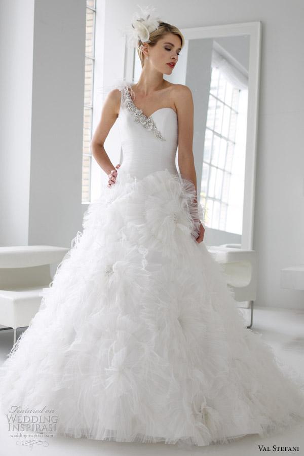 Свадебные платья от Val Stefani весна 2013