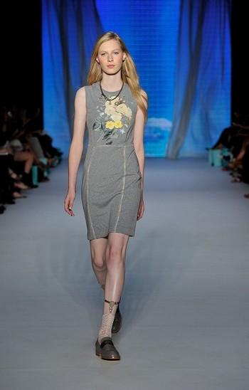 Коллекция от Kate Sylvester на австралийской Неделе моды весна-лето 2010/11. Фото: Stefan Gosatti/Getty Images