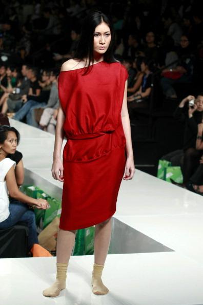Джакарта: Неделя высокой моды 2010. Фото Ifansasti/Getty Images for Jakarta Fashion Week