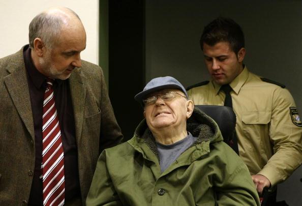 В Мюнхене началось четвертое заседание по делу Иваном Демьянюком, которого обвиняют в пособничестве нацистам во время Второй мировой войны. На заседании будут заслушаны первые свидетели, пережившие Холокост в польском концлагере Собибор. Фото: MICHAELA RE