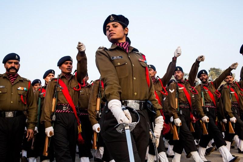 Нью-Дели, Индия, 21 января. Солдаты тренируются перед праздником Дня республики. Фото: Daniel Berehulak/Getty Images