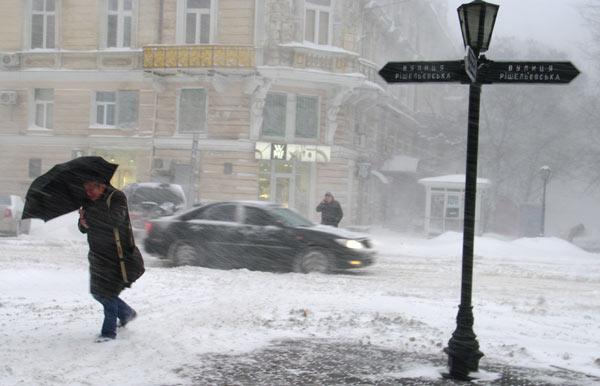 Снегопад превратил Одессу в зону стихийного бедствия. Фото: Таймер Одесса