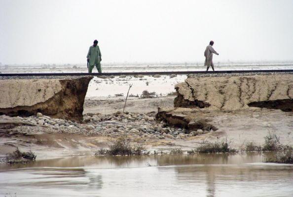 Наводнения в Пакистане стали причиной многочисленным жертв. Фоторепортаж. Фото: ARIF ALI /RIZWAN TABASSUM/AFP/Getty Images