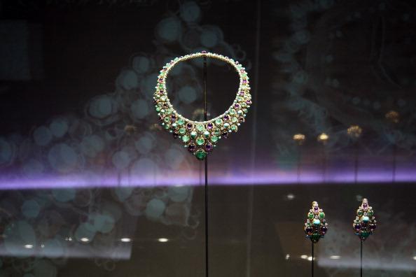 В Париже прошла выставка ювелирных изделий Bulgari. Фото Marc Ausset-lacroix/getty Images