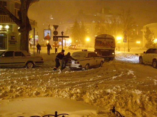 Снегопад превратил Одессу в зону стихийного бедствия. Фото: ИА Новый мост
