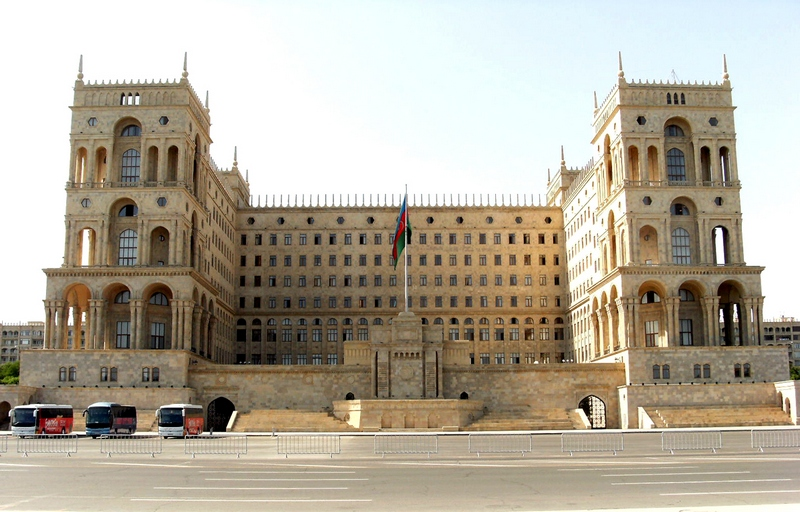 Баку. Главная площадь города «Азадлыг» (площадь Свободы). Фото: Khortan/en.wikipedia.org