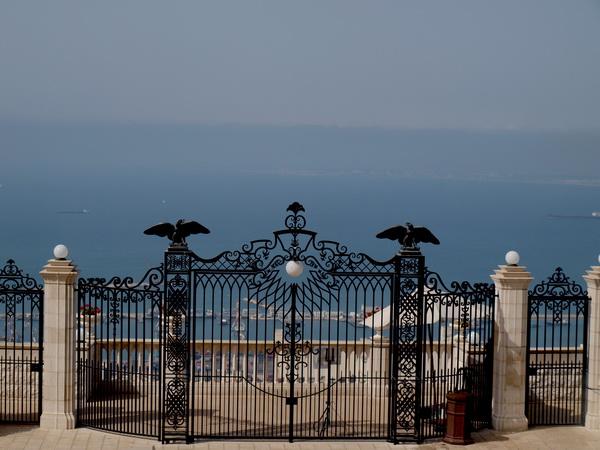 Хайфа, верхние ворота Бахайского сада. Фото: Хава ТОР/The Epoch Times