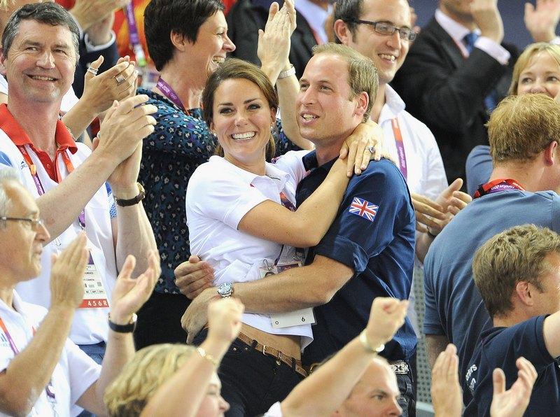 Лондон, Англия, 3 августа. Олимпийские игры 2012. Принц Уильям с супругой Кэтрин наблюдают за соревнованиями на велодроме. Фото: Pascal Le Segretain/Getty Images