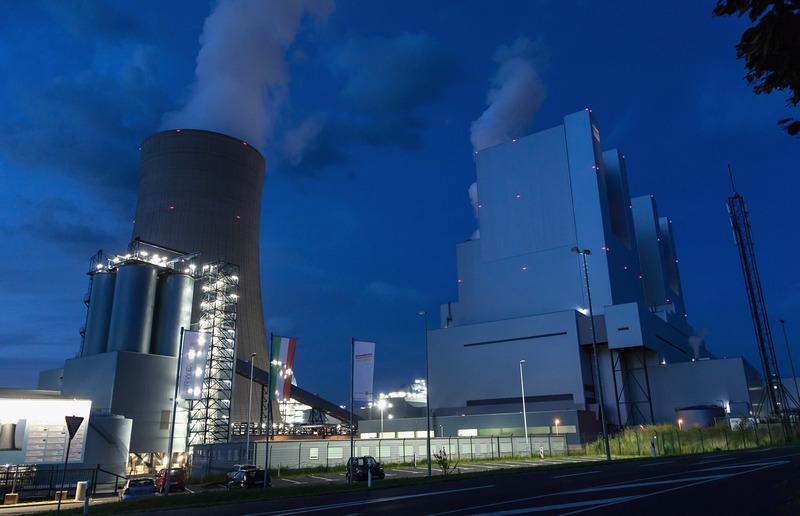 Гревенбройх, Германия, 16 августа. Самая большая в Европе угольная электростанция мощностью 2,2 гигаватта начала работу в пригороде. Фото: Juergen Schwarz/Getty Images