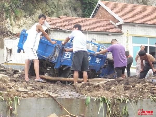Последствия наводнения в провинции Ляонин. Август 2010 год. Фото с epochtimes.com