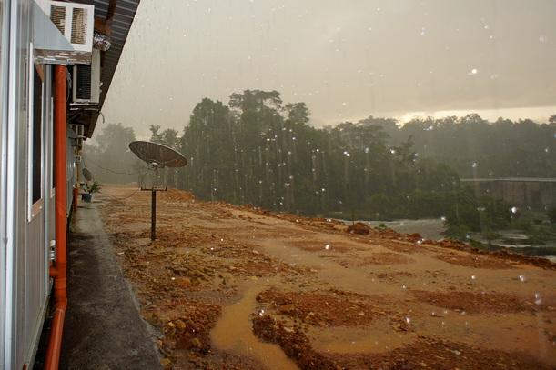 Ливни в сезон дождей. Фото: Александр Африканец