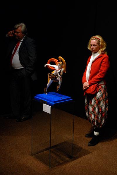 Большой антикварный салон открылся в Киеве 5 октября 2009 года. Фото: Владимир Бородин/The Epoch Times