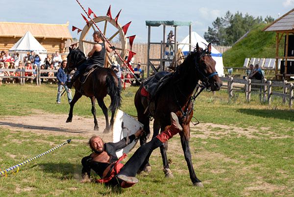 Международный фестиваль каскадеров. Фото: Владимир Бородин/The Epoch Times