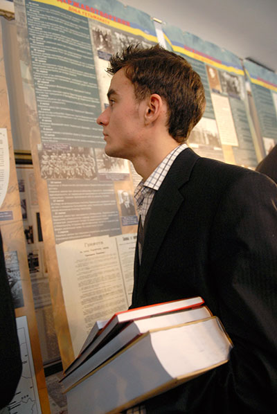 Документальная выставка «Народная война» открылась в Киеве 21 января 2010 года в «Музее советской оккупации». Фото: Владимир Бородин/The Epoch Times