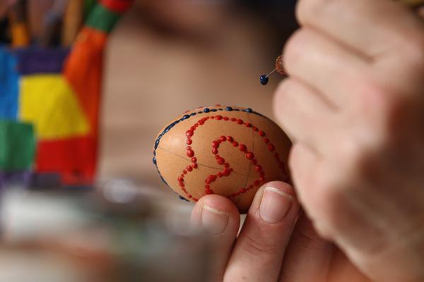 Пасха. Традиции украшения яиц. Фото: Andreas Rentz/Getty Images