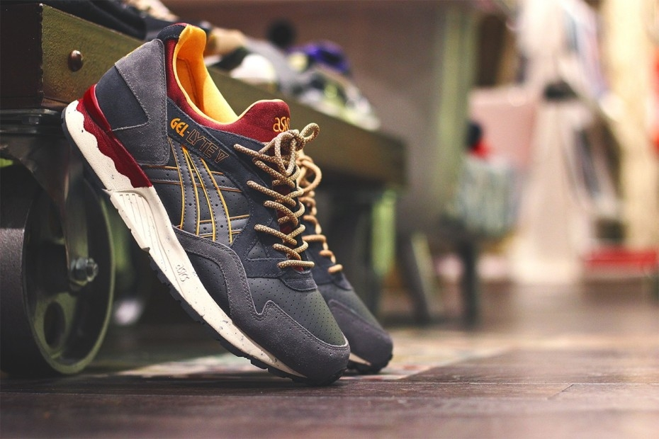 Кроссовки Asics Gel Lyte V «Dark Grey/Grey». Фото: vse-krossovki.in.ua