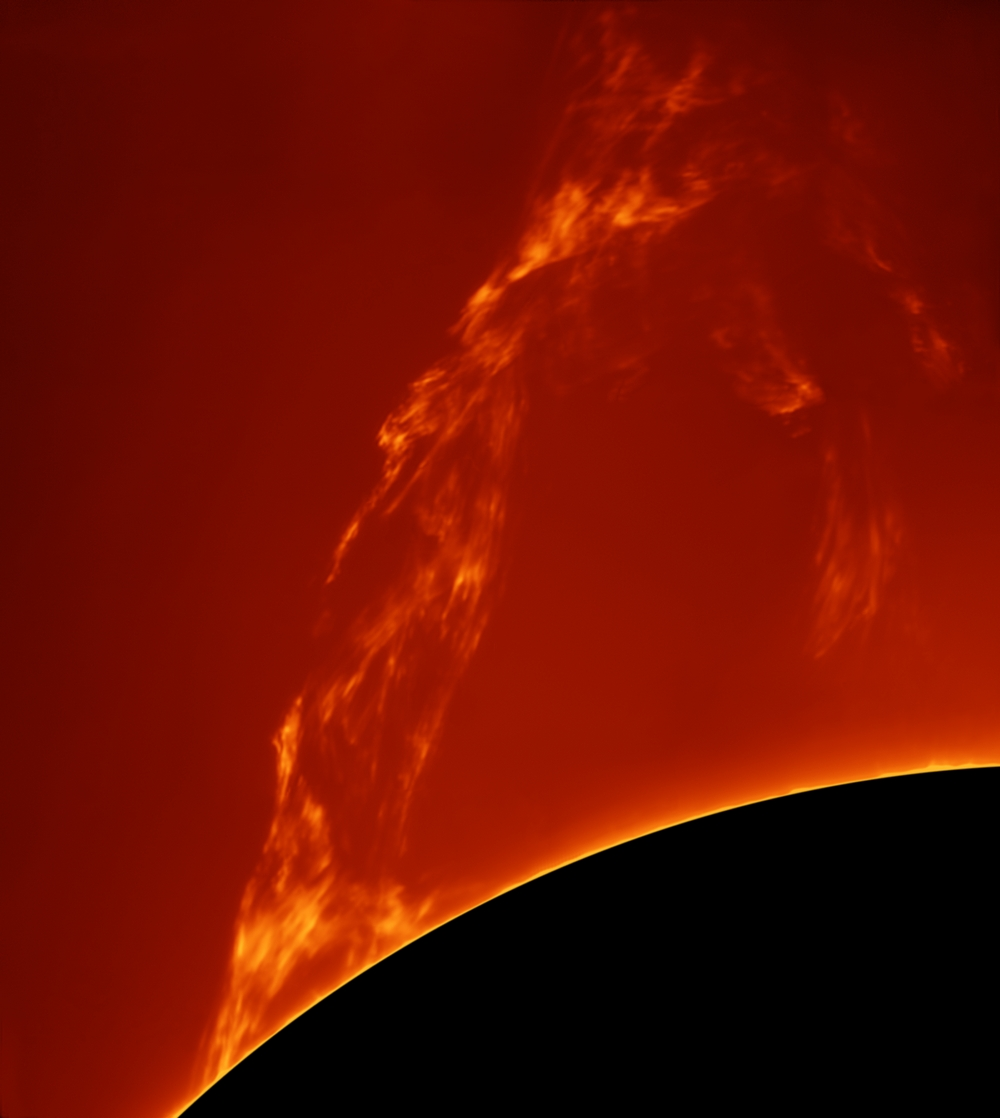 «Huge Prominence Lift-off». Переможець у номінації «Our Sun». Фото: Paolo Porcellana/Royal Observatory Greenwich
