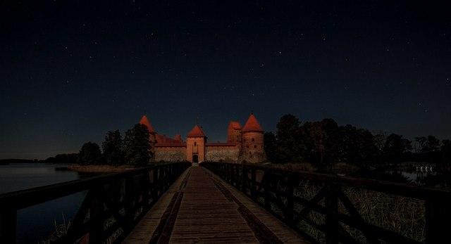 Тракайская ночная. Фото: Алексей Угальников, vk.com/albums3554740