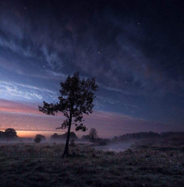 Осенняя ночь на Немане. Беларусь. Фото: Алексей Угальников, vk.com/albums3554740