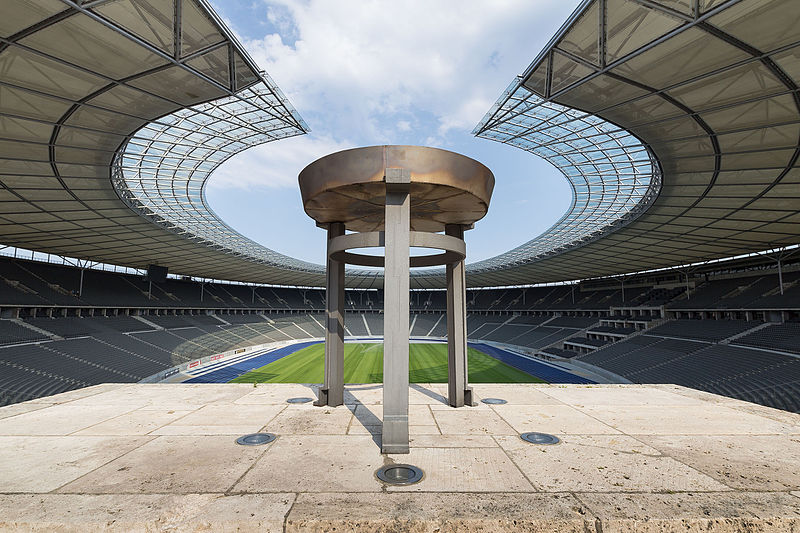 4место. Вид берлинского Олимпийского стадиона с «Марафонских ворот». Автор фото — Jan Künzel, лицензия CC-BY-SA-4.0