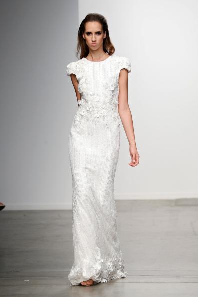 Mercedes-Benz Fashion Week весна 2015: свадебные платья. Фото: Brian Ach/Getty Images