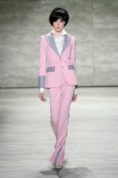 Блиск і яскравість кольору в новій колекції Малана Бретона. Фото: Photo by Fernanda Calfat/Getty Images for Mercedes-Benz Fashion Week
