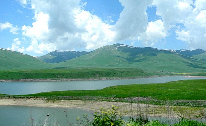 Путешествие по Армении: Пейзажи горной дороги из Еревана в Горис. Фото: Алла Лавриненко/Великая Эпоха